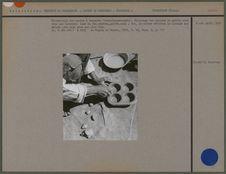 """Fabrication des moules à beignets """"tavy-fanaova-mofo&quot"""