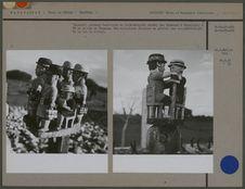 """""""Aloalo"""", poteaux funéraires en bois-sculpté"""
