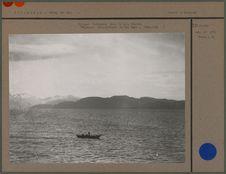 Pirogue fuégienne dans la baie Désolée
