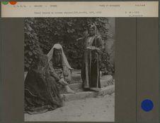 Femmes tatares en costumes nationaux