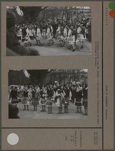 Costumes portées pour des danses au musée du Village à Bucarest