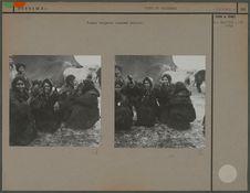 Femmes tziganes nomades dansant