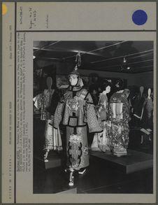 Splendeur des costumes du monde