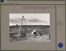 Forage dans les terrains quaternaires à l'emplacement où fut trouvé l'Homme de...