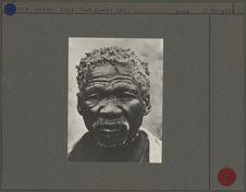 Hottentot [portrait de face d'un homme]