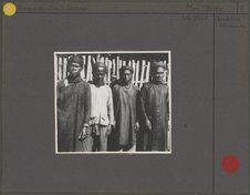 Quatre hommes