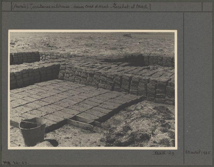 Fabrication de briques crûes