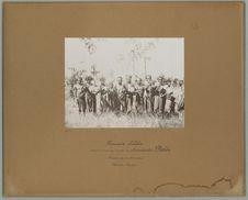 Hommes de Leloba, venant au marché de Larantouka, Florès