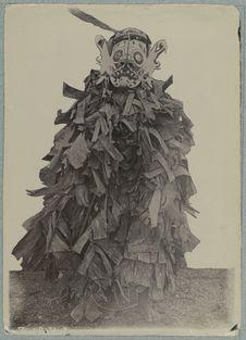 Costume de moisson chez les Bahau
