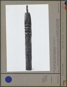 Poteau sculpté