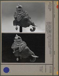 Petit masque d'éléphant rouge en résine