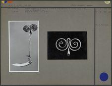 Bijoux composés de spirales & d'un bâtonnet