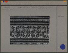 Sarong de coton sur fond noir : motifs de serpent