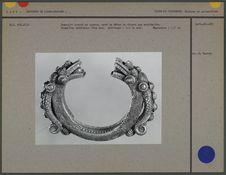 Bracelet ouvert en argent : têtes de dragon