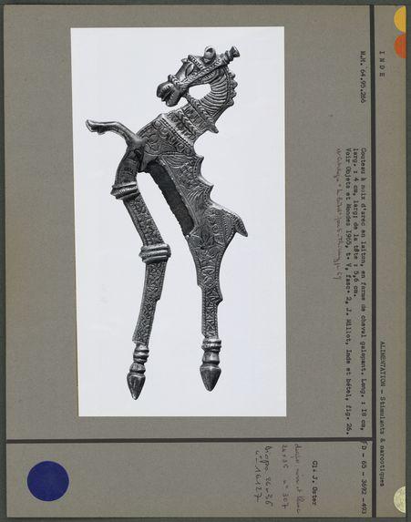 Sarauta en laiton en forme de cheval