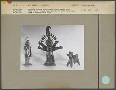 Statuettes en céramique et bois peint
