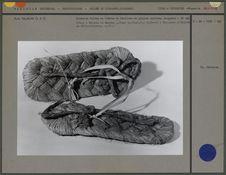 Sandales faites en fibres de feuilles de palmier