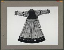 Robe en soie chinoise, portée par les femmes Bouriates
