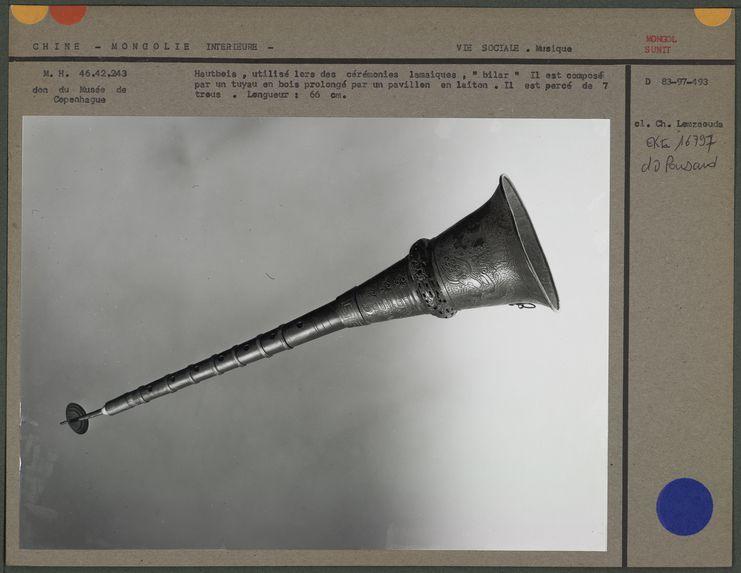 Hautbois, utilisé lors des cérémonies lamaïques
