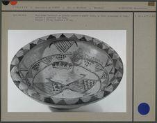 Plat creux en poterie