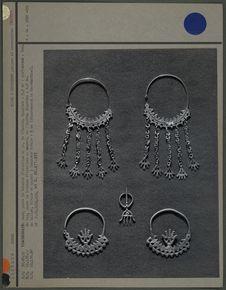 Boucles d'oreilles et fibule
