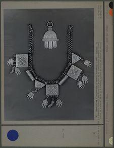 Collier et ornement de chaîne en argent