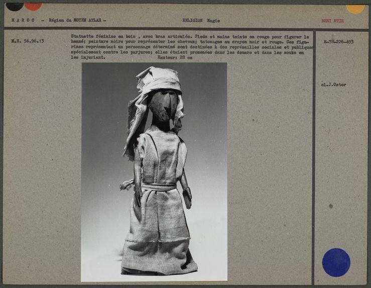Statuette féminine en bois, avec bras articulés