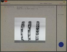 Trois bracelets en paille de mil