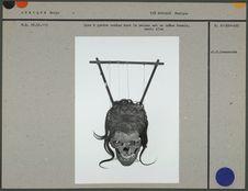 Lyre à quatre cordes, caisse crâne humain