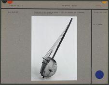 Harpe-luth à deux rangs de cordes