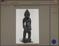 Statuette féminine utilisée pour la divination