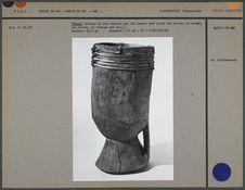 """""""Tindi"""", mortier en bois employé par les femmes pour piler"""