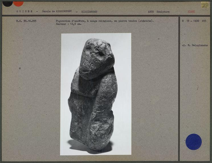 Figuration d'ancêtre en pierre tendre