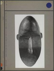 Masque en bois noir