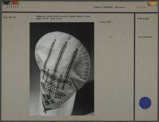 Bonnet en coton orné de motifs géométriques