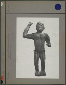 Statue en bois : roi Ghèzô