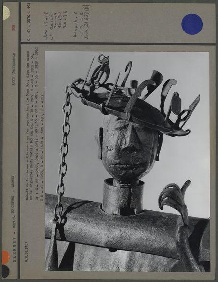 Détail de la statue entièrement en fer représentant Gou
