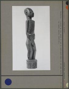 Sculpture en bois, haut de piquet