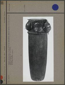 Tambour fait de bois, de peau