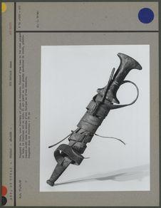 Poignard de bras, avec fourreau et pince