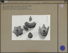 Vase, monnaies et objets divers Sao en terre cuite