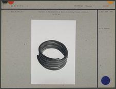 Bracelet en fil de laiton à usage monétaire
