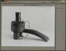 Instrument pour la divination, bois, groupe Zanieïsé