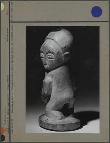 Statuette en ivoire