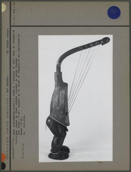 Harpe arquée anthropomorphe à 5 cordes