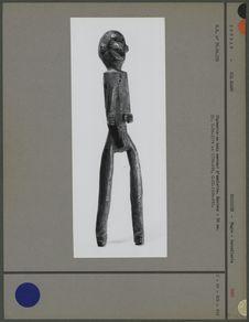 Statuette en bois servant d'amulette