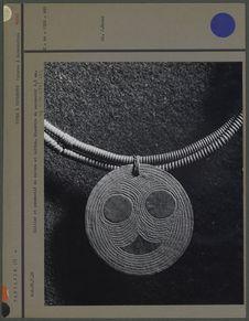 Collier et pendentif en cuivre et laiton
