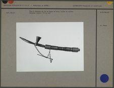 Pipe à fourneau de fer et tuyau en bois