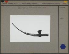 Pipe à fourneau de fer et tuyau en fer