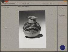 Vase en terre blanche